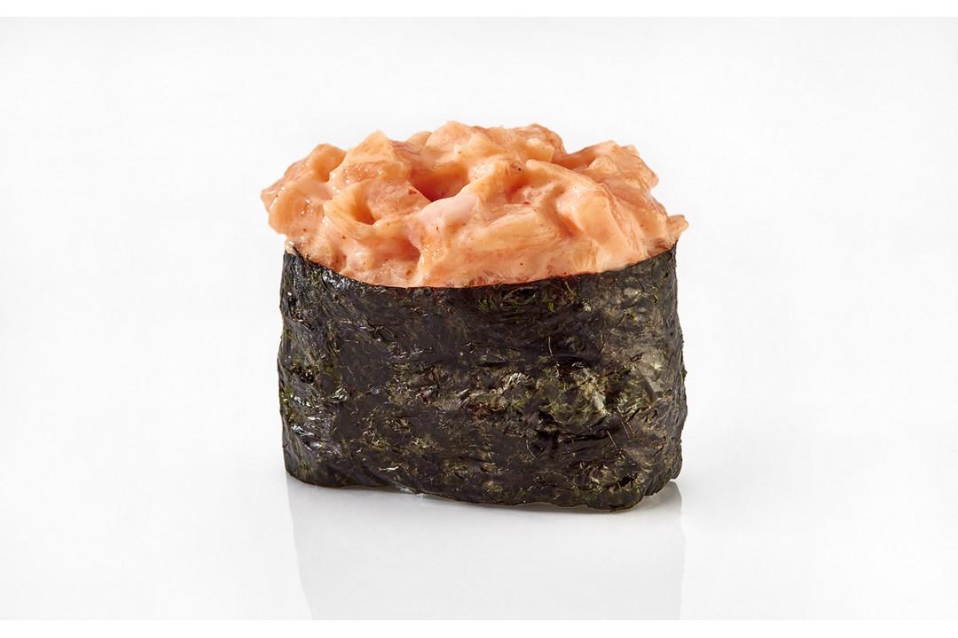 Суши Острый лосось (1 шт) 40гр